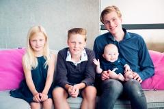 Familieshoot in eigen tuin